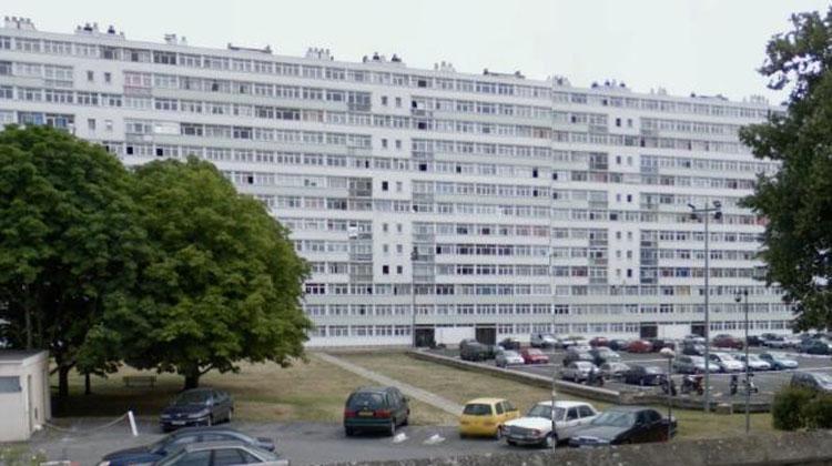 petit-bourg-en-2011-hlm
