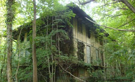 saint-gatien-le-chalet-en-ruine