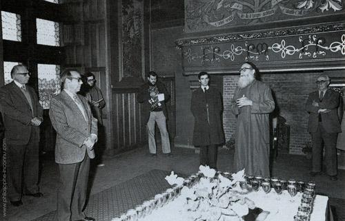 A la mairie d'Amboise le 26 novembre 1978. De gauche à droite, Michel Debré, Bernard Girard, Robert Amadou, Roger Lecotté.