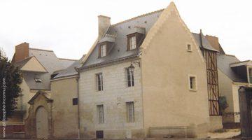 Vraie et fausse maison natale de Louis-Claude de Saint-Martin à Amboise